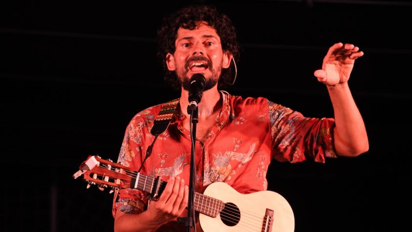 Eduard Costa durant el concert a Alta Alella